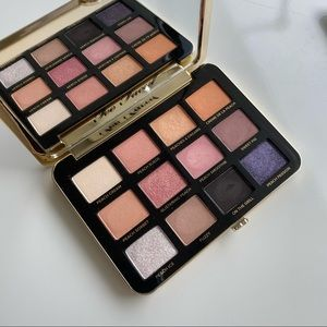 Too faced eye shadow palette with peach